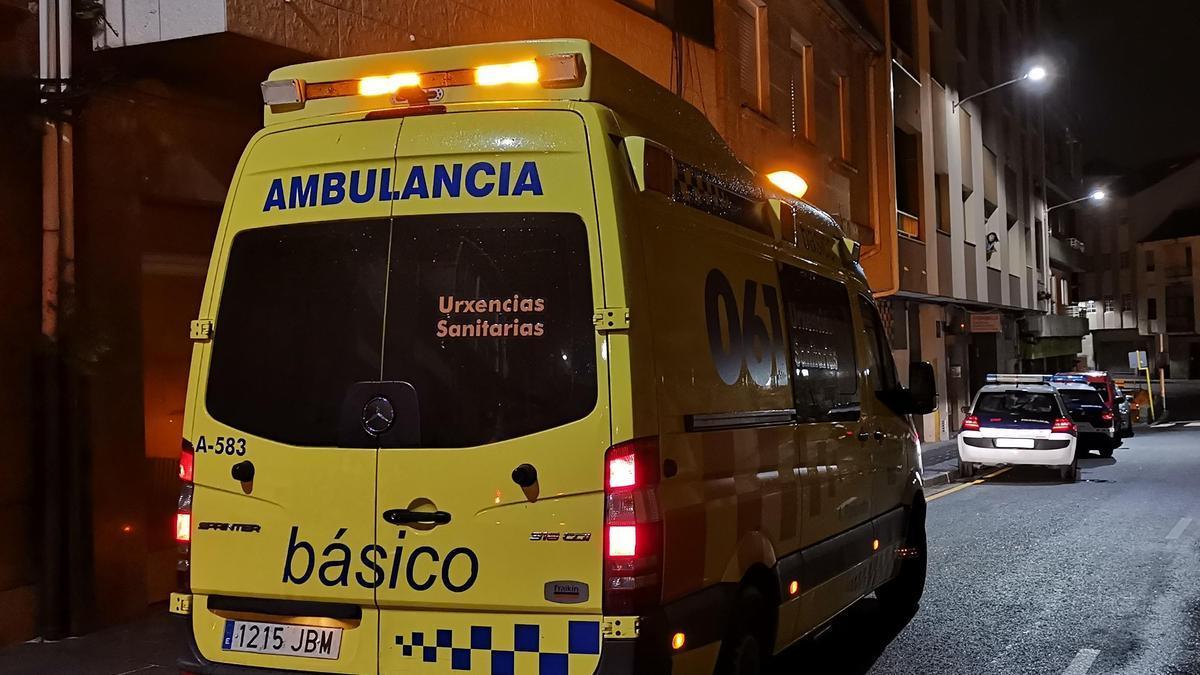 Imagen de archivo de una ambulancia en un servicio sanitario urgente.