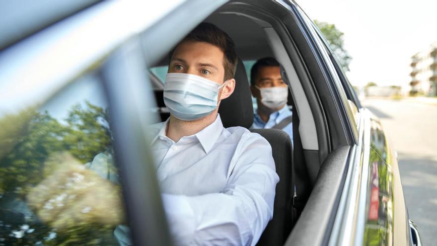 La mascarilla no será obligatoria en la calle a partir del 26 de junio: ¿Y en el coche?