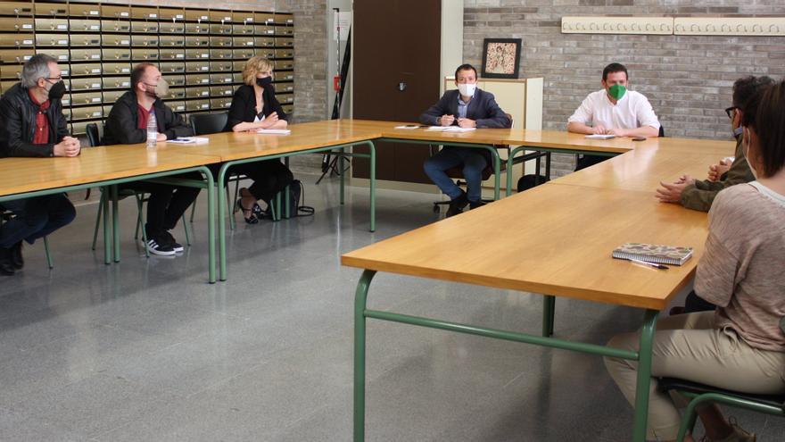 Compromís presiona a su socio PSPV y visita el conservatorio de Castelló