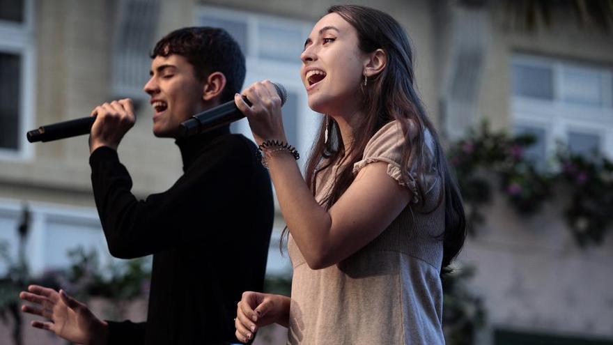 Claudia y Héctor, los magos de mayo
