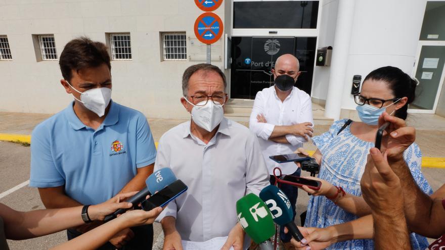 El niño de diez años evacuado del ferri que chocó contra un islote en Ibiza se mantiene estable en la UCI de Son Espases