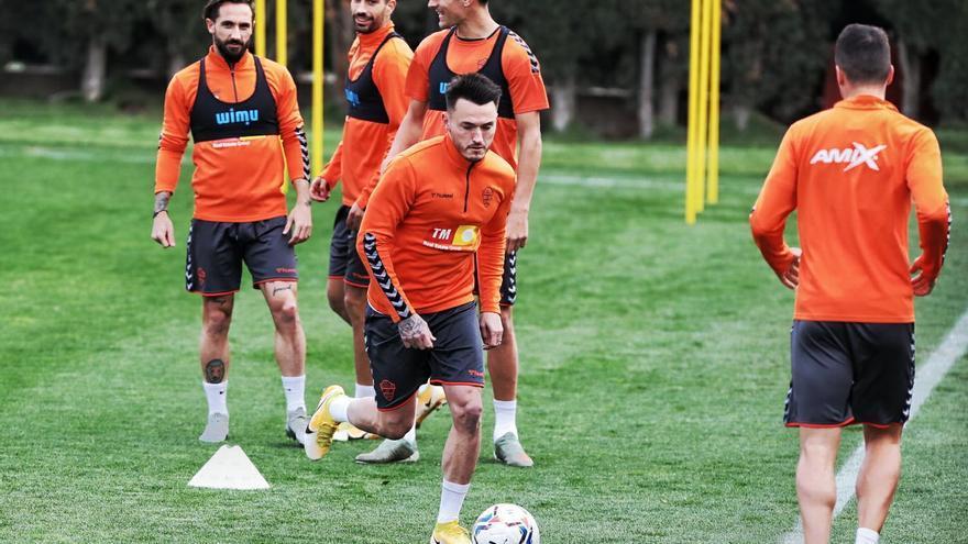 Josan entrena con el grupo y está listo para volver frente al Sevilla