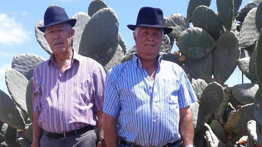 Los ganaderos Domingo Mesa y Juan Hernández, pregoneros de las fiestas de Triquivijate