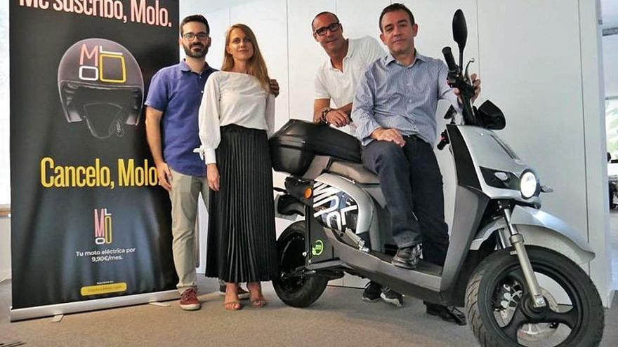 La firma MOLO suspende su  servicio de motos eléctricas compartidas en València