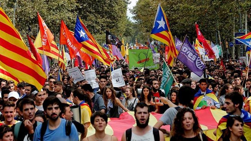Trece estudiantes de Barcelona se enfrentan a más de 8 años por disturbios en una manifestación