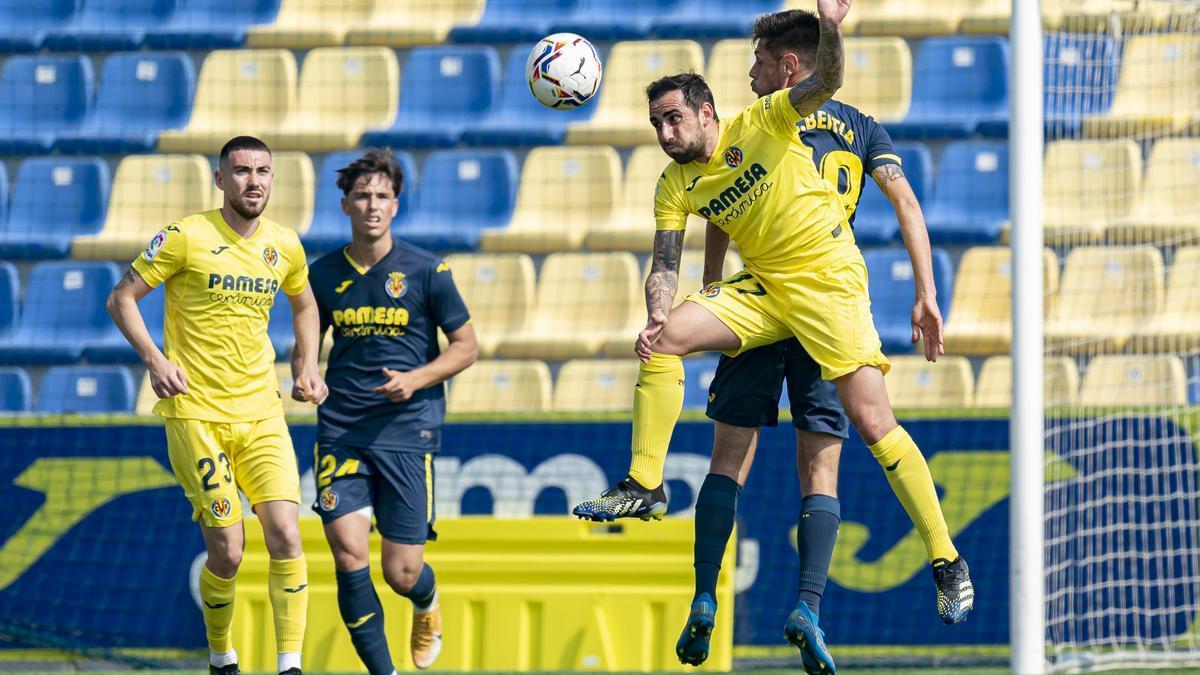 Paco Alcácer ha anotado tres goles en la goleada del Villarreal a su filial de Segunda B.