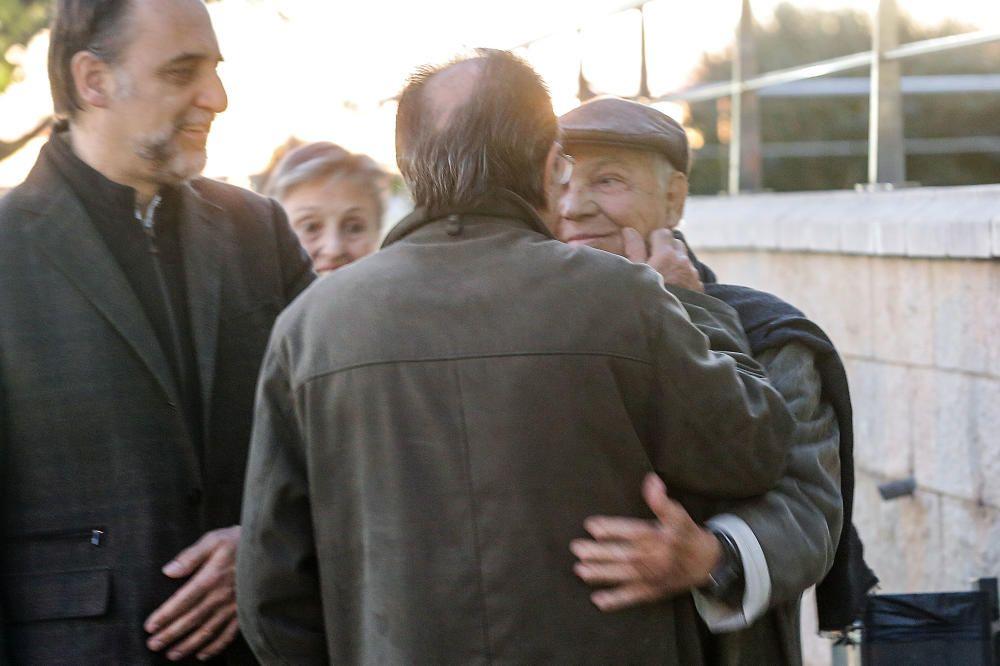 Familiares y amigos despiden a Juan Lladró