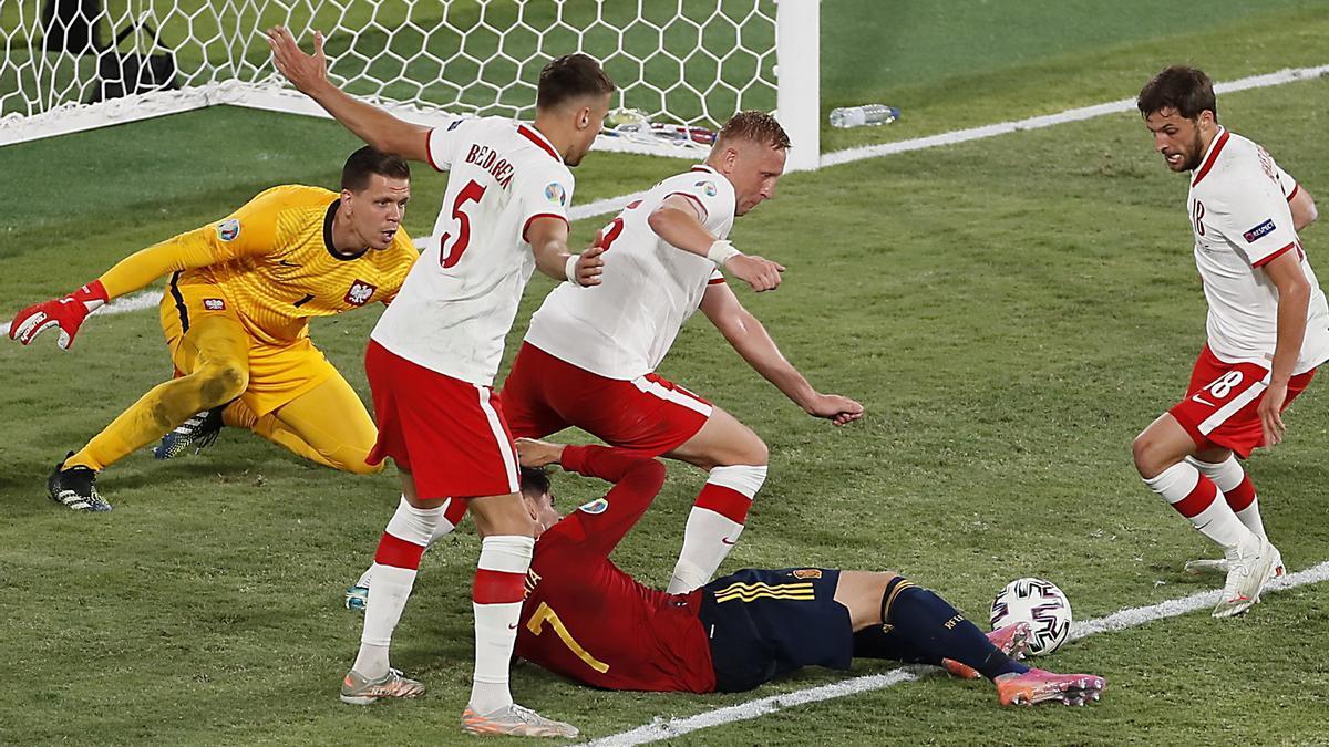 Jugada d'Espanya en el partit contra Polònia de l'Eurocopa