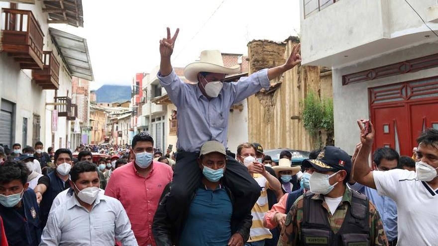 La extrema izquierda, a la cabeza en las primeras encuestas en Perú