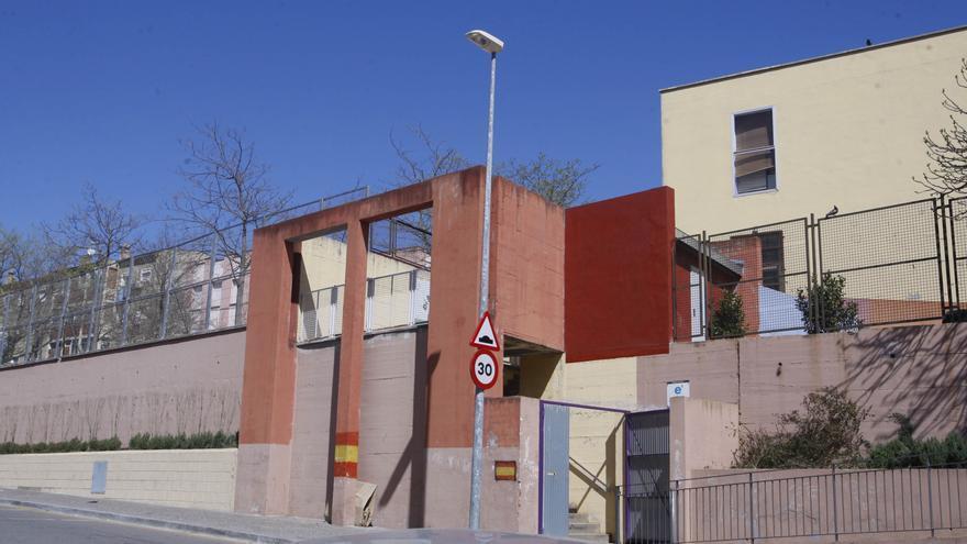 Les famílies de Girona Est es mostren contràries als canvis d'Educació i temen una «retallada de recursos»