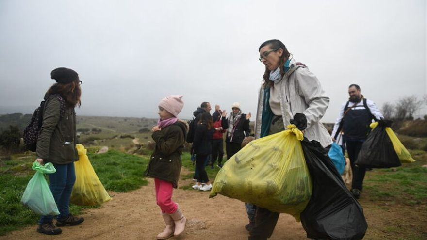 El proyecto 'Libera' limpia de 'basuraleza' 611 espacios naturales de España