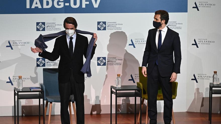 """Aznar pide que el PP se convierta en """"polo de atracción"""" para evitar el crecimiento de los extremos"""