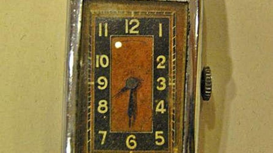 La família del manresà Joan Lladó, deportat als camps nazis, recupera un rellotge confiscat