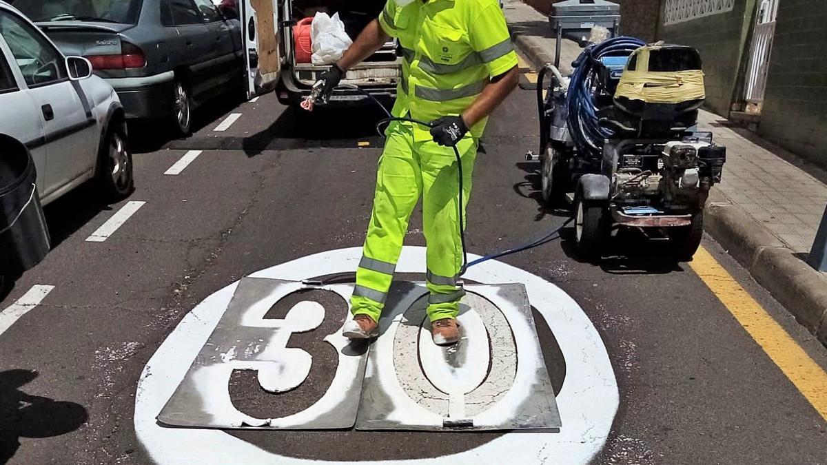 La calle María Luisa, en Taco, pasará mañana de un límite de 50 kilómetros por hora a 30 kilómetros por hora.