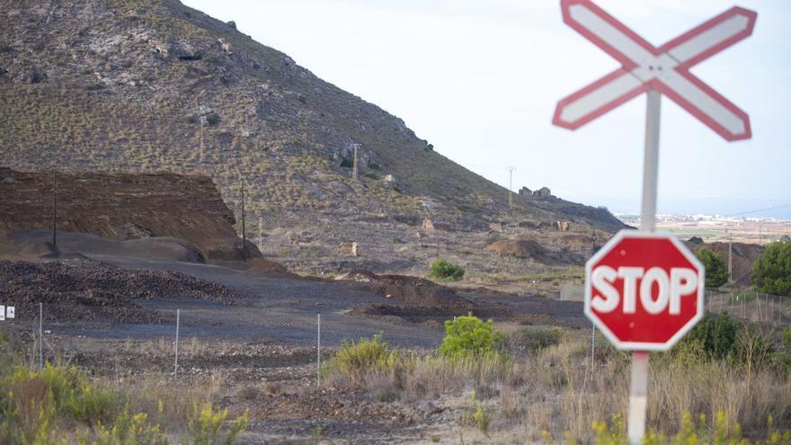 Industria sellará la balsa minera El Lirio y pasará la factura a sus propietarios
