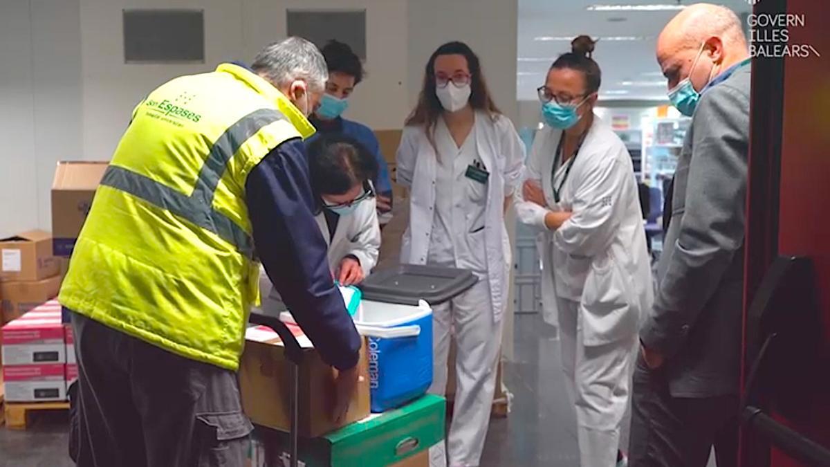 Llega a Mallorca la primera entrega de vacunas de Moderna