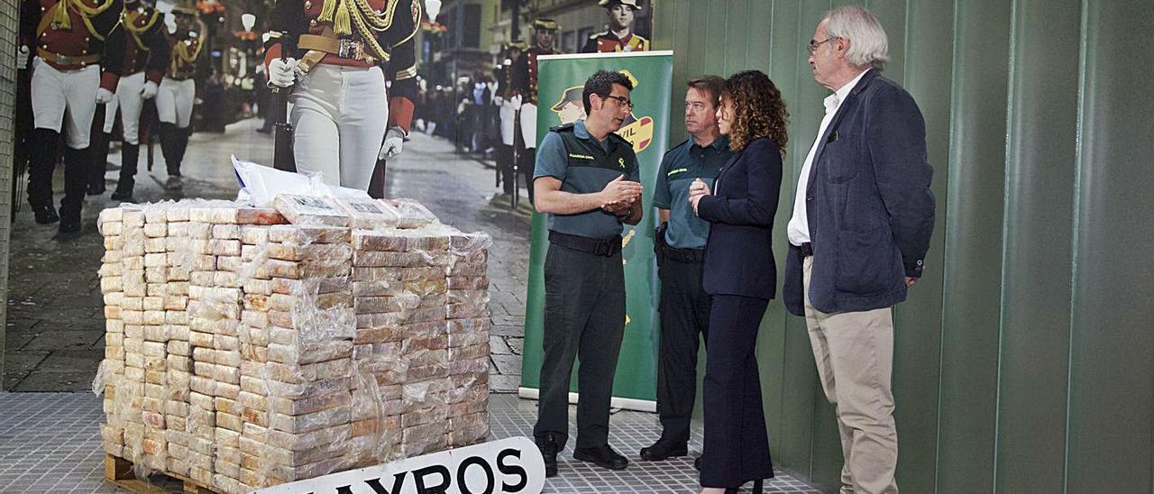 Los 600 kilos de cocaína incautados, en la Comandancia de la Guardia Civil de Palma.