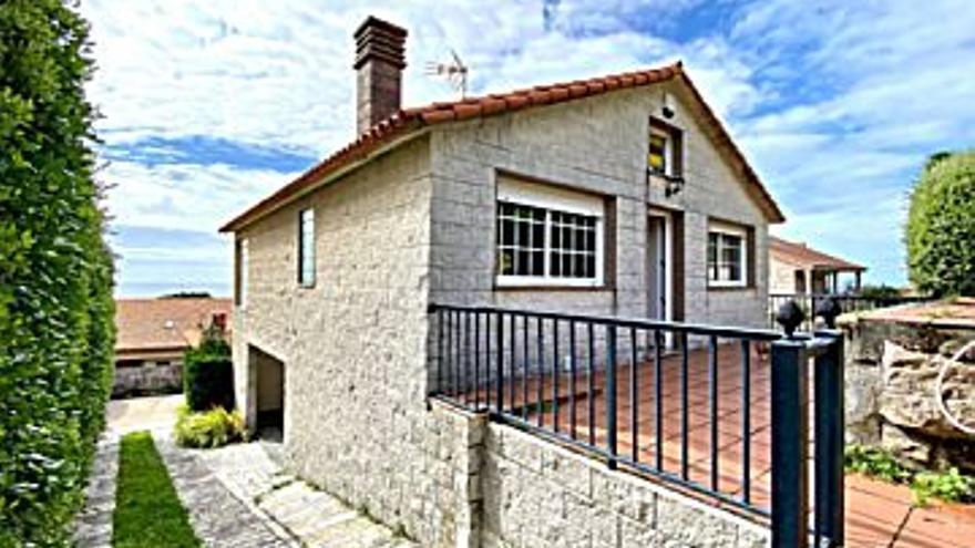 160.000 € Venta de casa en Coruxo, Oia, Saiáns (Vigo) 166 m2, 2 habitaciones, 2 baños, 964 €/m2...