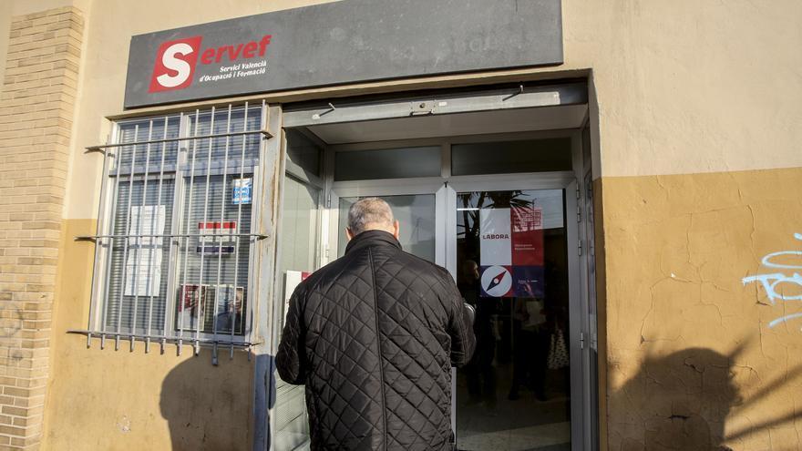 El paro en Alicante: 3.000 parados más y 1.000 nuevos trabajadores en ERTE