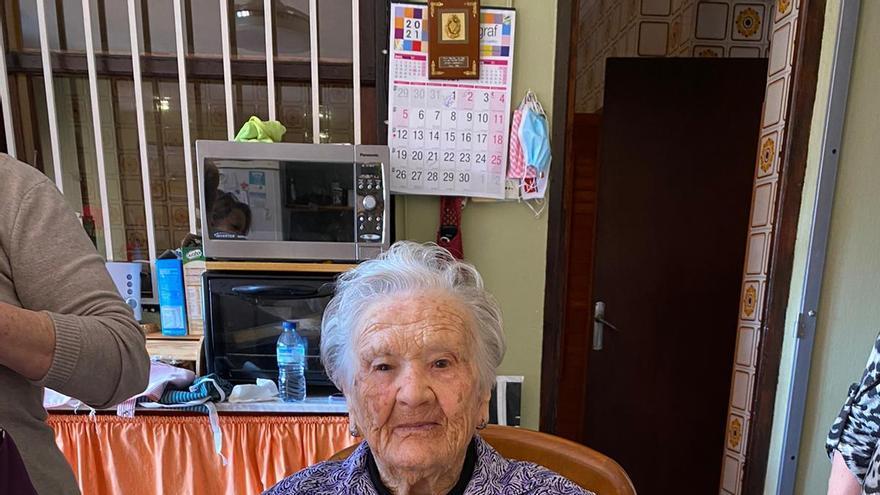 La vecina más longeva de La Pobla de Vallbona cumple 106 años
