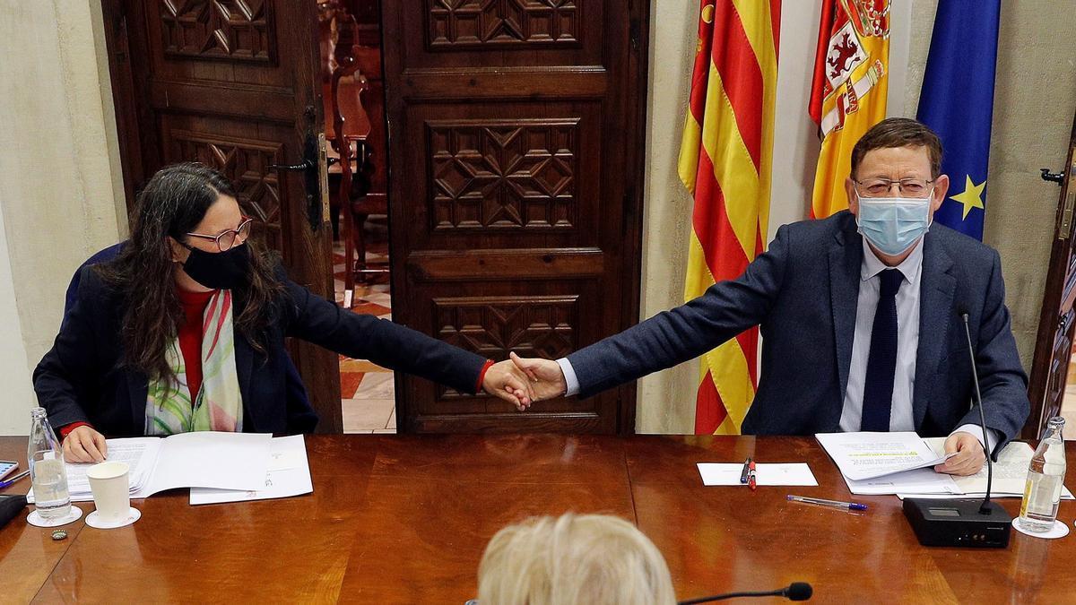 Imagen de la reconciliación Distensión entre Puig y Oltra tras un mes de desencuentros
