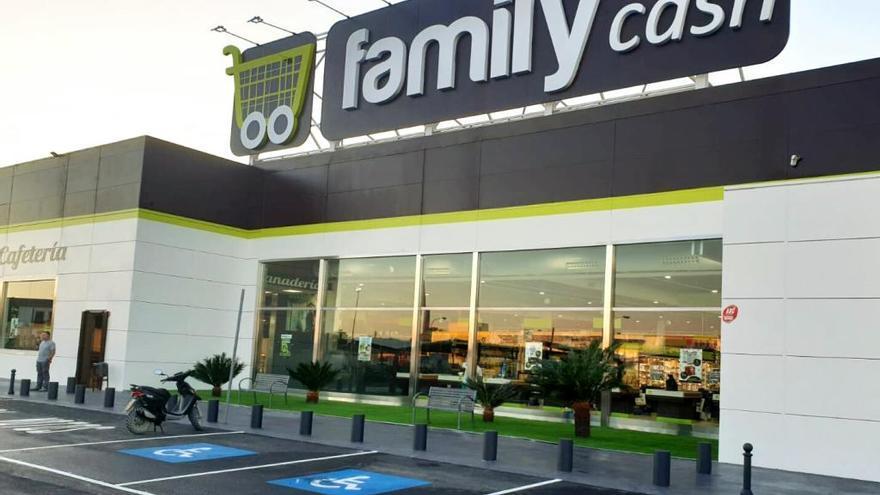 La valenciana Family Cash vende siete hipermercados por 33 millones