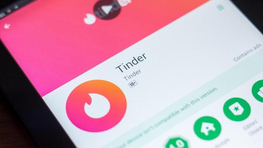 """Cómo escribir en Tinder para ligar más: no hay """"match"""" con un """"ola k ase"""""""