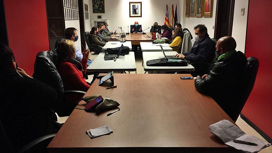El pleno exige al alcalde de Binissalem que pague de su bolsillo una subvención