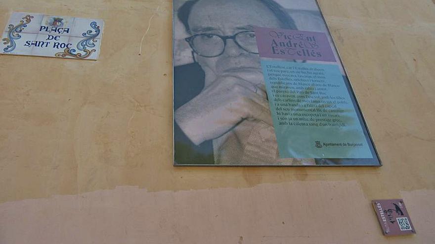 Burjassot renova la imatge de la ruta dedicada a Vicent Andrés Estellés