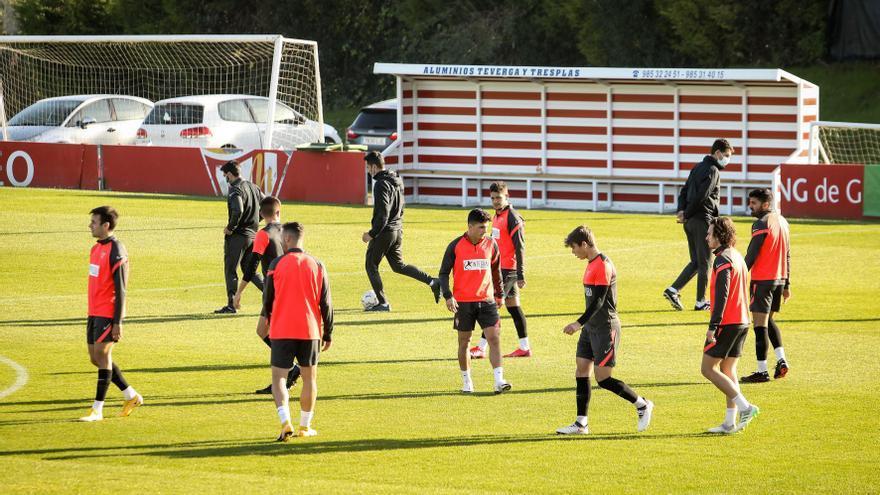 Gallego mantiene su base otra vez en el Sporting: solo una modificación en el once para visitar a Las Palmas