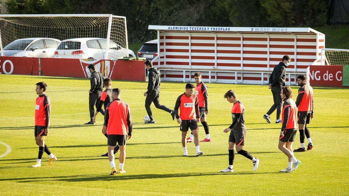 La plantilla del Sporting, en Mareo.