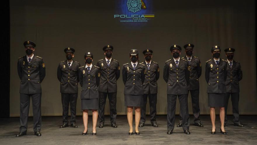 Diez nuevos miembros de la Policía Nacional juran el cargo en Zamora