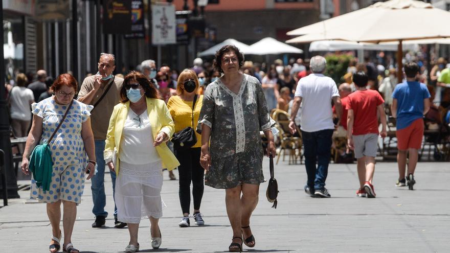 Canarias prefiere las mascarillas  pese a la flexibilización en exteriores