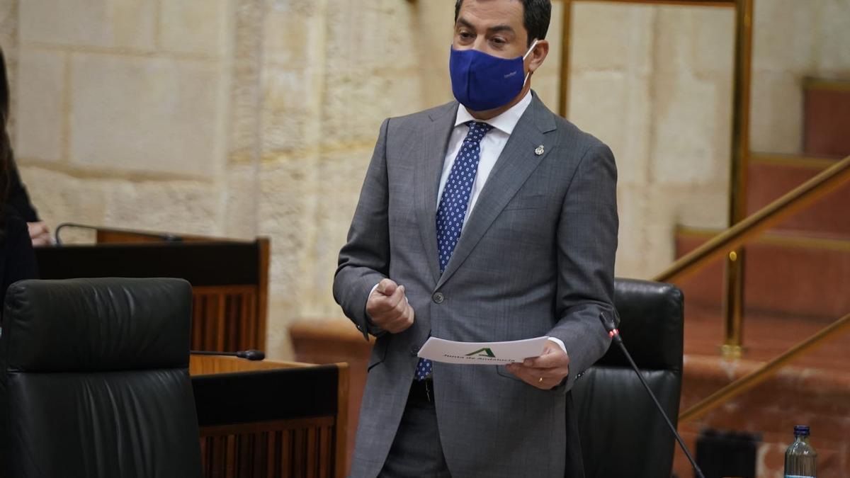 Juanma Moreno, en la sesión de control del Parlamento andaluz.