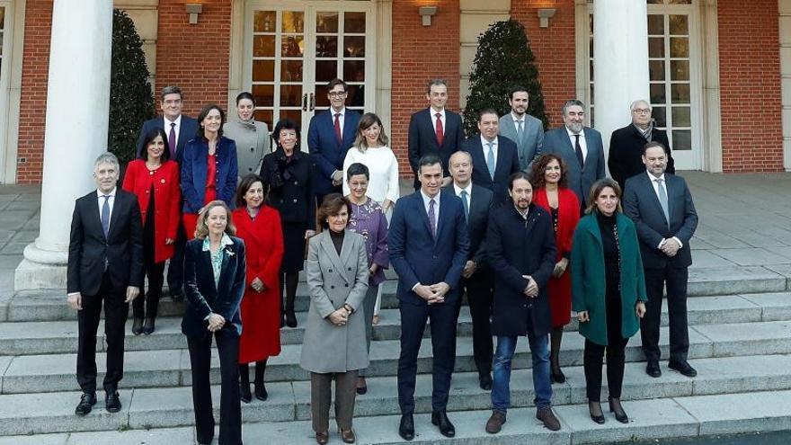 Pedro Sánchez y todos los ministros que son diputados mantendrán su escaño