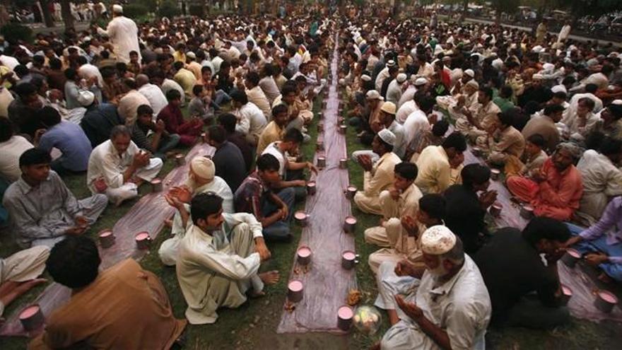 1.500 millones de musulmanes comienzan en todo el mundo el ayuno de Ramadán