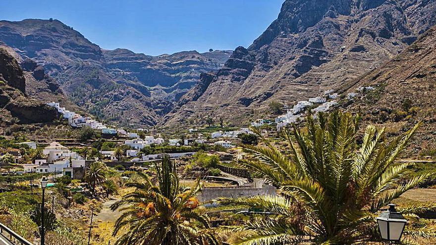 El Ayuntamiento dota de 36 plazas  de aparcamiento  al Valle de Agaete