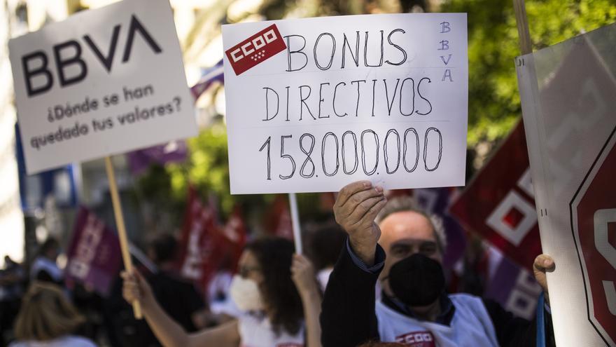 Trabajadores de BBVA harán huelga este miércoles para rechazar los más de 3.300 despidos