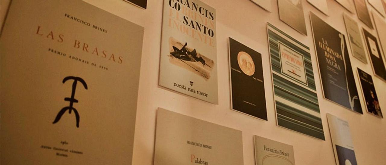 La exposición sobre Francisco Brines en el Museu Etnològic de Oliva | LEVANTE-EMV