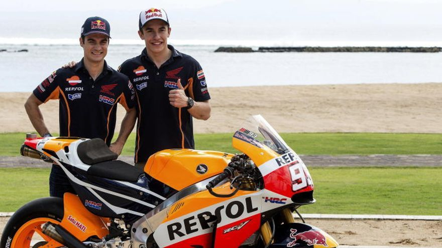 Márquez y Pedrosa presentan sus nuevas motos en Bali