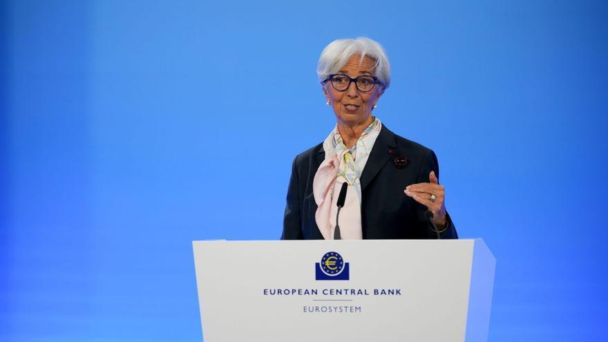 El BCE mantiene los tipos y la compra de deuda pese al alza de la inflación