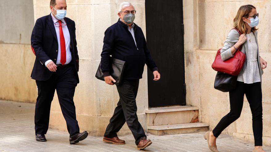 Los detenidos en la trama de las mordidas desfilan ante la jueza