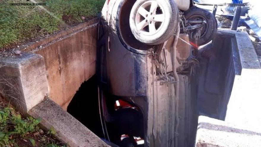Dos heridos en un accidente de tráfico en Cártama
