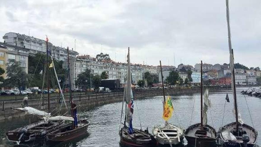 Cita con las embarcaciones tradicionales en Sada