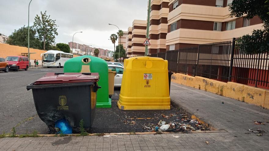 Queman contenedores y papeleras en La Paterna