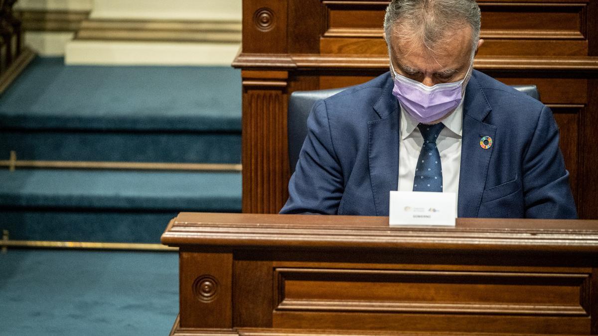 Ángel Víctor Torres, en el Parlamento.