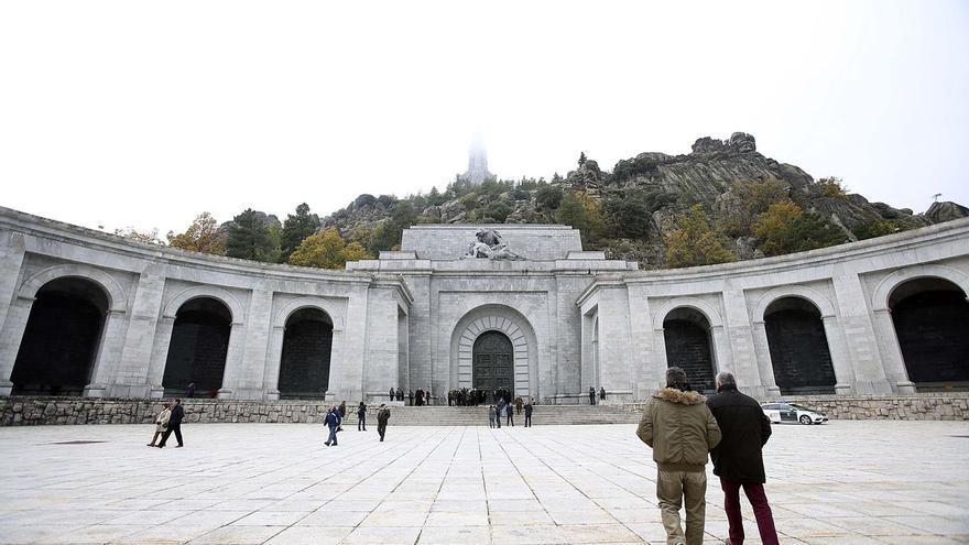 Las exhumaciones de republicanos en el Valle de los Caídos, no antes del verano