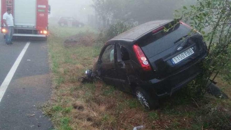 Una mujer resulta herida en una salida de vía a la altura de Rodeiro
