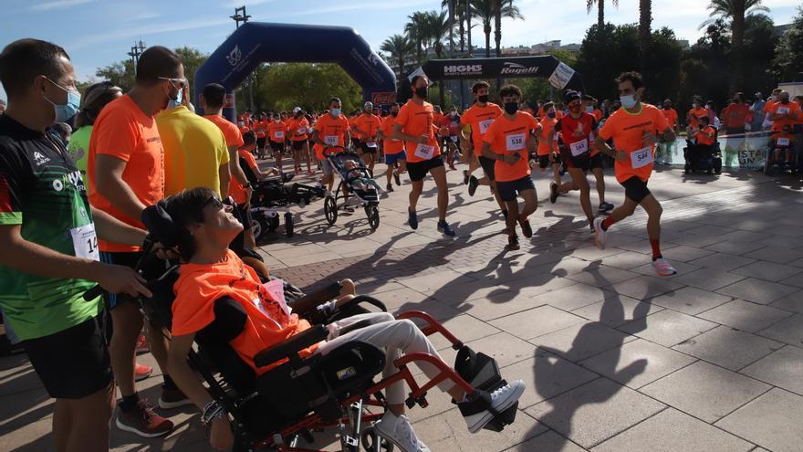El Vial Norte se tiñe de naranja con la carrera solidaria de Acpacys