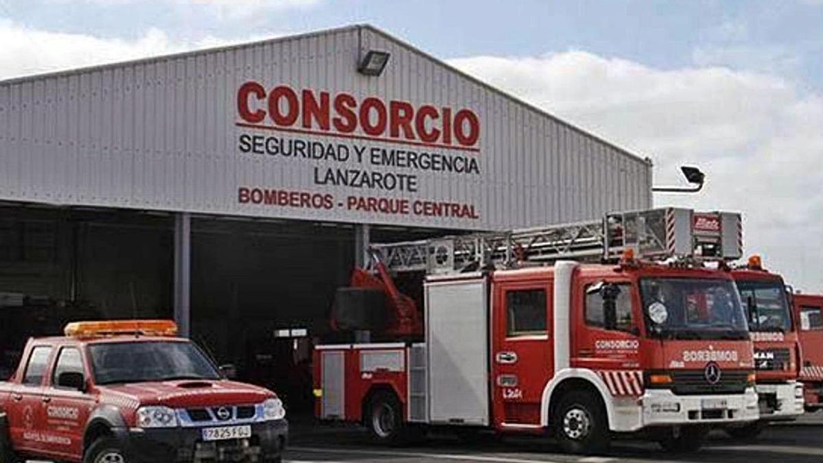Vehículos de bomberos del Consorcio de Seguridad y Emergencias de Lanzarote. | | LP/DLP